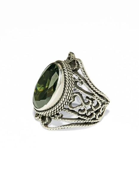 Pre-Raphaelite Ring