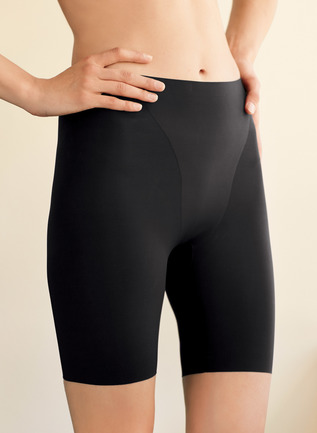 Thinstincts Mid-Thigh Short Shapewear