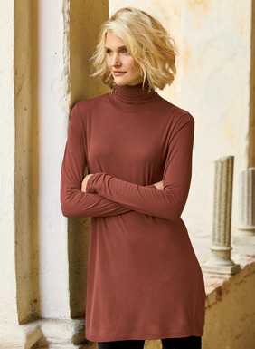 The soft, stretchy tunic in pima (49%), modal (47%) and spandex (4%) has a scrunchable t-neck and easy fit-and-flare shape.