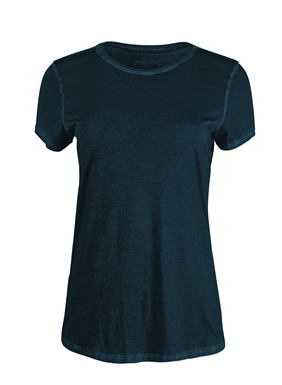 Everyday luxury, our crewneck tees are sewn of velvety soft pima jersey that's been garment-dyed for a weathered look.
