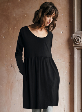 Inspired by fine antique lace, delicately rendered botanicals are printed on a weathered midnight ground of soft pima jersey. An effortless dress that's great for stylish lounging. Scoop neck; gathered skirt; pockets.
