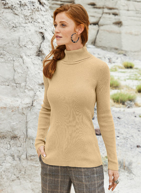 The fine gauge, full-fashion knit, wide-rib t-neck is a luxe everyday essential, in pima (60%) and modal (40%).
