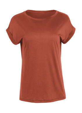A casual wardrobe essential, the silky-soft pima jersey tee has a round neck, drop shoulders, rolled cuffs and side vents.