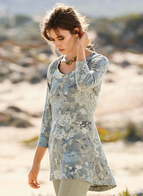 Finely rendered flora and fauna from an 18th century Korean textile pattern our fit-and-flare tunic in soft grey, blue, sand and cream. Sewn of pima (51%) and modal (49%) jersey, the swingy, bestselling shape has a scoop neck, ¾-sleeves and a back-dipping hem.