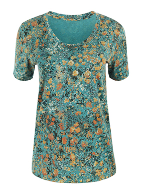 Sprinkled with delicately rendered florals, the pima jersey u-neck tee takes inspiration from a 17th century French textile.