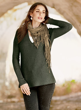 An easy, versatile layer in links knit pima, the 27'' tunic is styled with a deep v-neck, drop shoulders and extra-long ribbed cuffs.
