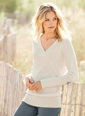 Heavenly soft and luxurious in woolen-spun, royal alpaca, our tunic features a crossover v-neck, drop shoulders and dolman sleeves. Extra-long ribs at the cuffs and hem create a soft blouson shape.