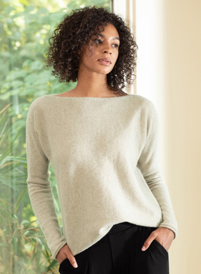 Unimaginably soft and light in gossamer, woolen-spun royal alpaca, our pullover is a minimalist's dream. Styled with an eased fit, boatneck, dolman sleeves and rolled edges.