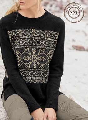For chilling out or après-ski, our graphic pullover gets into the spirit with stylized snowflakes in pale camel on black. Heavenly soft in premier grade, woolen-spun royal alpaca, it's finished with a ribbed trim and side slits.