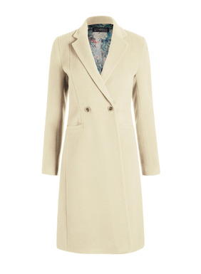 A timeless wardrobe investment, the Marlborough is the quintessential day coat, in a perfect length to work beautifully atop dresses and jeans alike. Superbly crafted of plush baby alpaca (72%), wool (26%) and nylon (2%), with a notched collar, double-buttoning closure, welt pockets and a deep back vent; lined with our signature print.