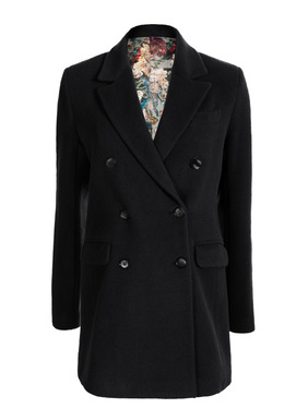 A forever favorite, our double-breasted coat has both classic good looks and timeless versatility. Tailored in a plush pile of baby alpaca (72%), wool (26%) and nylon (2%), the boxy silhouette has a notched collar, chest welt pocket, flap pockets, buttoning cuffs and back vent; lined in our signature print.