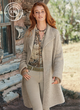 Deliciously warm, the snuggly coat is knit easy and oversized of tweeded alpaca (60%), merino wool (30%) and polyamide (10%).