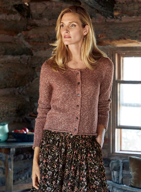 Short and sweet, the cropped mauve cardigan is tweeded with gold metallic yarns for everyday shimmer. Knit in an ultra-soft mix of baby alpaca (40%), polyamide (29%), metallic thread (26%) and wool (5%). Rolled-edges; exaggerated rib knit cuffs.