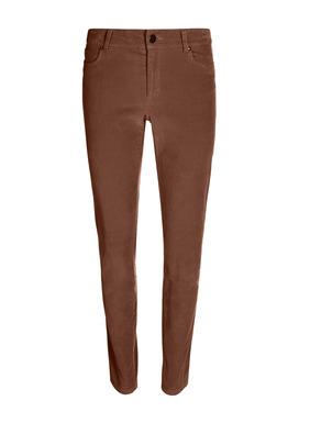 Unsere beliebte, schmale 5-Pocket-Hose aus weichem elastischem Velveteen ist perfekt für kühlere Tage. 90 % Baumwolle, 8 % Polyester und 2 % Elasthan.