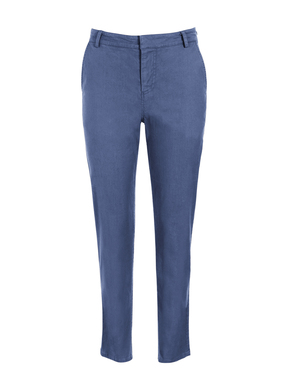 The season's essential, go-anywhere trousers have an eased fit and straight, cropped legs. Tailored of linen (53%), cotton (45%) and elastane (2%) that's been garment-washed for a soft, broken-in feel. Front pockets; back welt pockets.