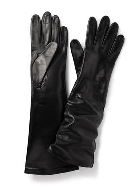 Lange, edle Knautsch-Handschuhe aus geschmeidigem Nappaleder; Seidenfutter.