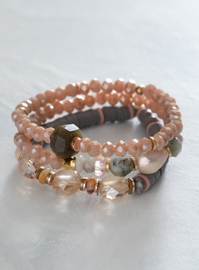Our set of 3 stretch bracelets shimmers with a mixture of Czech crystals, labradorites, freshwater pearls and brass findings. An effortless accessory to add to any look, this set is sure to inspire seaside daydreams.