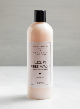 Preserve the lustre and softness of your precious fibre garments with Luxury Fibre Wash. Developed exclusively for us by The Laundress. In a soft cedar scent, the natural, non-toxic formula maintains the garment's natural lanolin and oils.