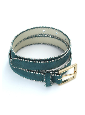 Antiqued metal beadwork embellishes opulent shades of leather suede in our Easton Belt.  The bead detailing adds just the right touch of shimmer and elegance to these chic belts.