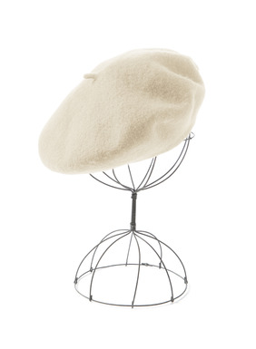 The iconic beret in wool felt.