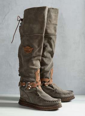 "Handcrafted in Tuscany, the scrunchable suede boots are constructed with a hidden 2"" wedge and moccasin-style rubber soles. <a href=""/category/womens+seasonal+trends/el+vaquero.do"" target=""_blank"">Read more about El Vaquero footwear and why their craftsmanship is unmatched.</a>"